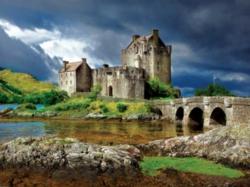 Buffalo Games Jigsaw Puzzles - Eilean Donan Castle, Scotland