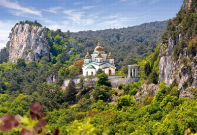 St. Michael the Archangel Orthodox Church, Crimea - 1000pc Jigsaw Puzzle by Castorland