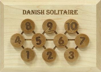 Wood Puzzles - Danish Solitaire